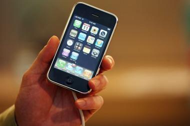 """Pirmieji įspūdžiai prisilietus prie """"iPhone 3G"""
