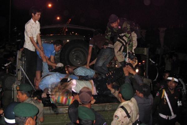 Kambodžoje per spūstį šventės metu žuvo beveik 350 žmonių (atnaujinta)