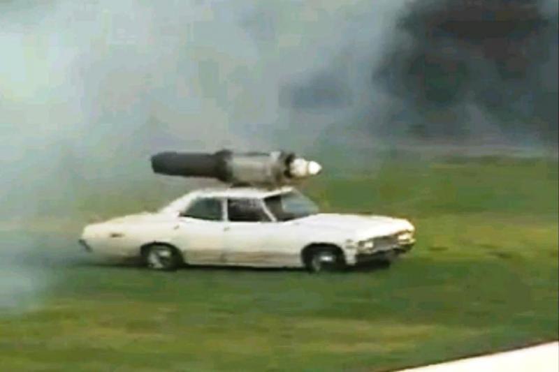 """1967 metų """"Chevroletas"""" išvysto 480 km/val. greitį"""