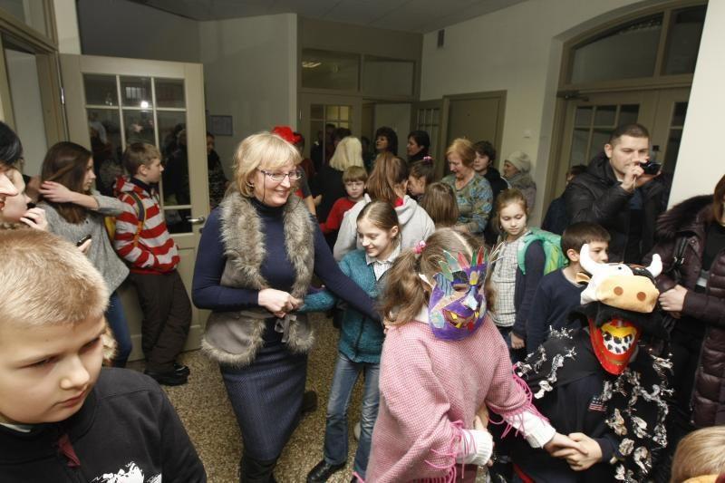 J. Karoso muzikos mokykla Užgavėnes sutiko su trenksmu