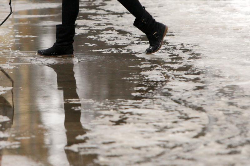 Kauno gatvėse nepaslysta tik laimingieji, apsiavę gerais batais?