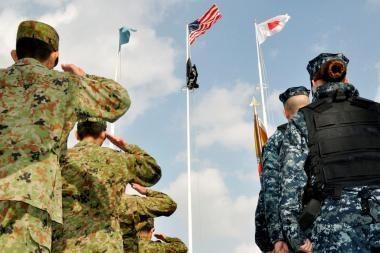 Japonija ir JAV pradėjo iki šiol didžiausias bendras karines pratybas