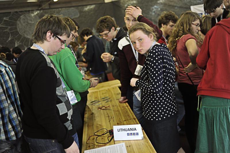 Jauniems mokslininkams Kaune iki pasaulio rekordo pritrūko 121 volto