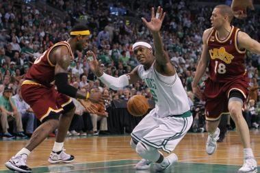 Ž.Ilgausko ekipa antrą kartą pralaimėjo Bostono krepšininkams