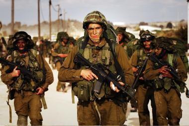 Izraelyje paviešinta netinkamą žydų karių elgesį su palestiniečiais įrodančių nuotraukų
