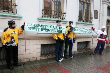 Klaipėdos ledo ritulininkai prašo valdžios dėmesio