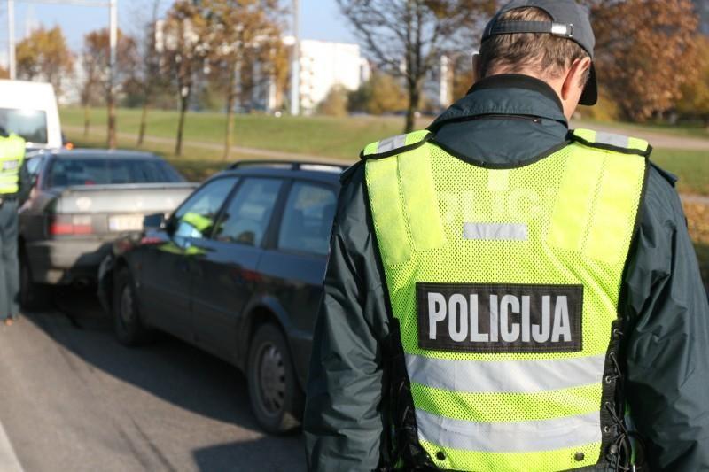 Kupiškio policijos automobilių padegimas - kerštas už policijos darbą