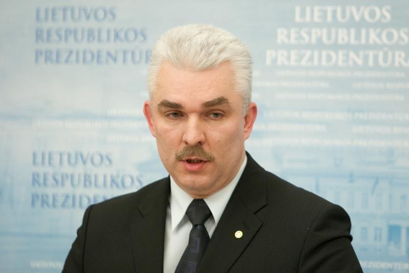 D.Grybauskaitė teikia dekretą atleisti STT vadovą