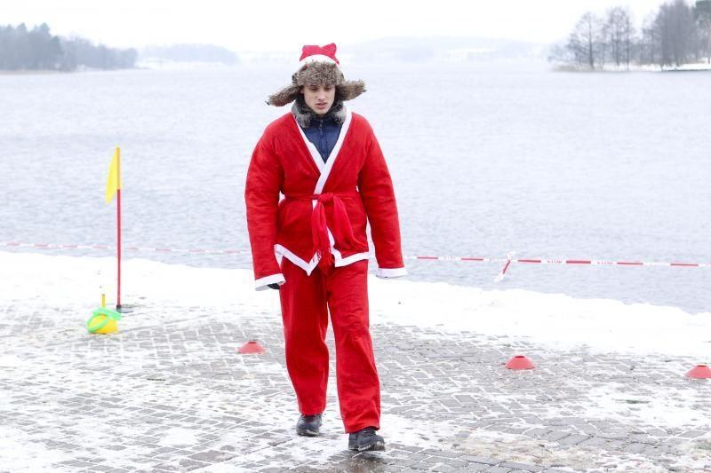 Kalėdų Senelių miestelis Trakuose sekmadienį buvo apytuštis