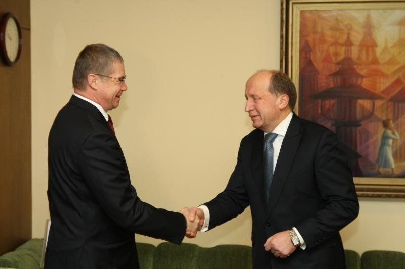 """A.Kubiliaus derybos su """"Gazprom"""" rezultatų kol kas nedavė (papildyta)"""