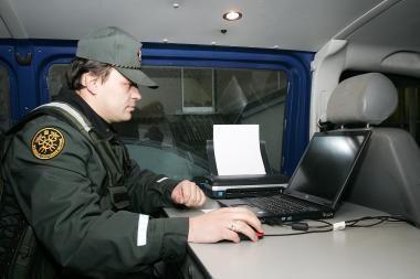 Baltarusio autofurgone aptikta gudriai įrengta slėptuvė
