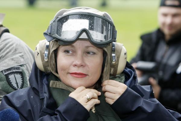 Krašto apsaugos ministrė lankysis Prancūzijoje