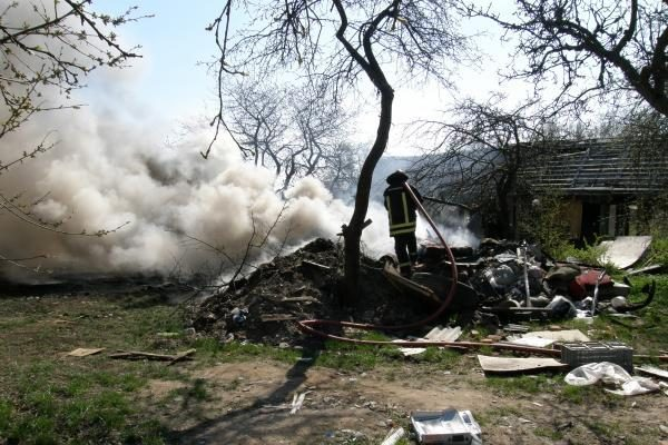 Klaipėdos uosto pašonėje kilo gaisras
