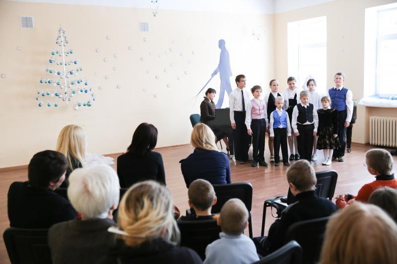 Vaikus nudžiugino lietuviška pasaka Brailio raštu