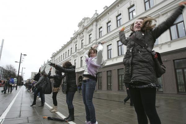 Laisvės alėjoje – daugiau kaip tūkstančio studentų virtinė