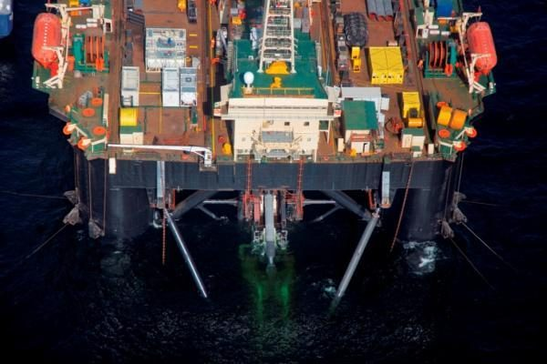 """Nutiesti pirmieji """"Nord Stream"""" vamzdyno kilometrai"""