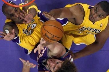 """Vakarų konferencijos finalo serijoje """"Lakers"""" išsiveržė į priekį"""