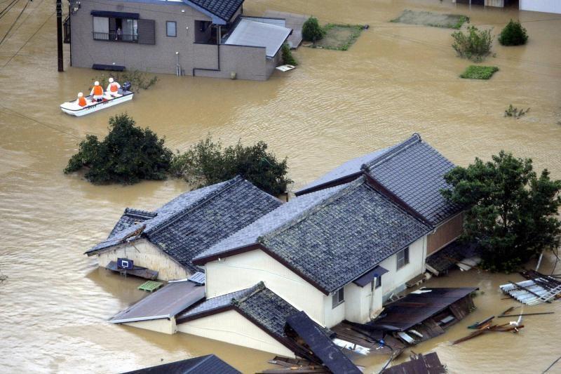 Per taifūną Japonijoje žuvo 11 žmonių
