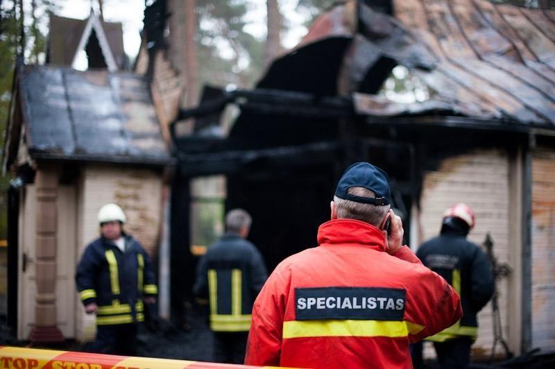 Kulautuvos bažnyčią suniokojo ugnis, įtariamas padegimas