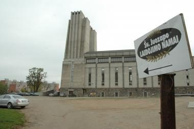 Bažnyčia neteko brangios sodo technikos