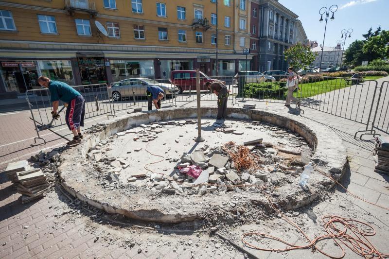 Prasidėjo Vokiečių gatvės fontano atnaujinimo darbai (foto)
