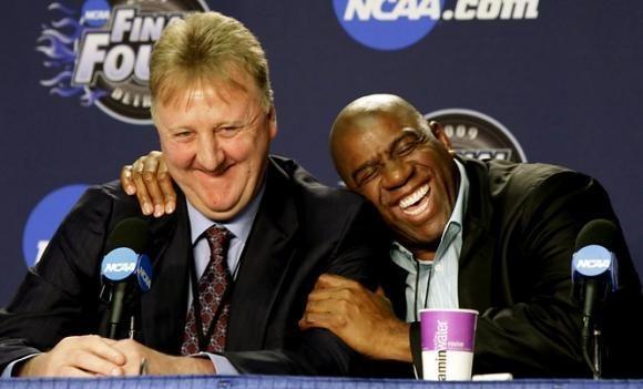 """Legendinis L.   Birdas grįžta į """"Pacers"""""""