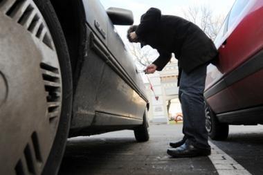 Klaipėdoje iškart pavogtos dvi mašinos