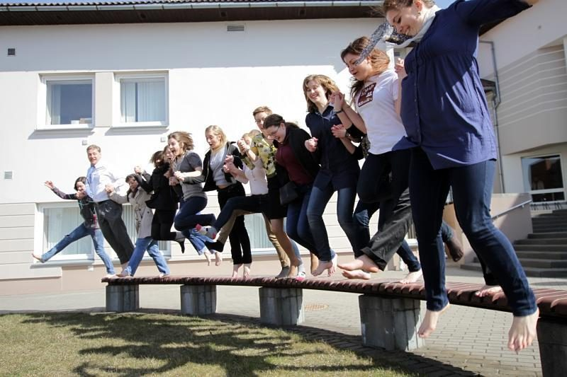 Klaipėdos studentai ir dėstytojai į paskaitas vaikščiojo basomis