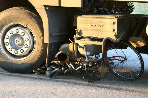 Klaipėdoje vilkikas užmušė dviratininką