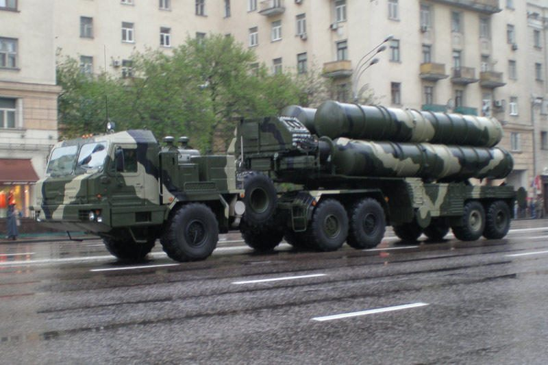 Rusijos kariškis: S-400 raketos į kovinę rikiuotę stos po mėnesio