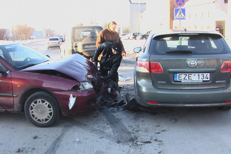 Avarijoje Klaipėdoje sudaužytas naujas pasieniečių automobilis