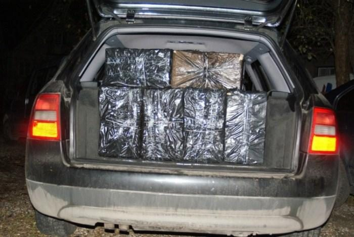 Kauniečio automobilis buvo prikimštas cigarečių už tūkstančius litų