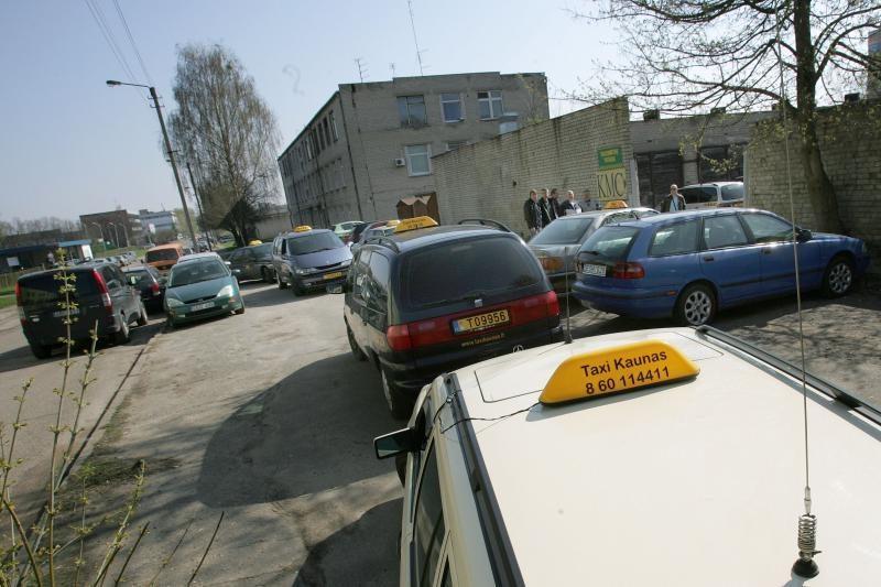 Miesto gatves okupavo įpykę taksistai