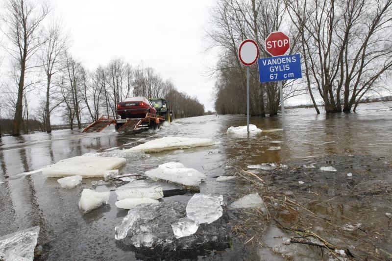 Potvynio zonoje savaitgalį gelbėjimo darbų vykdyti neteko