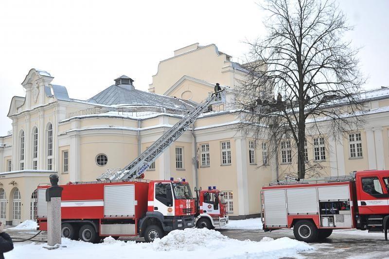 Kauno muzikinis teatras užsidegė dėl gedimo elektros instaliacijoje
