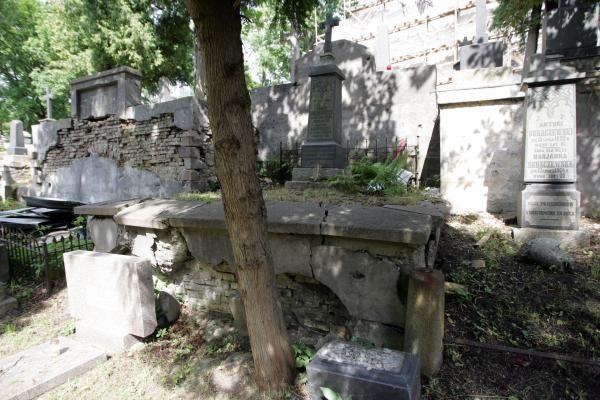 Rasų kapinių būklė Seimo komitetui kelia nerimą
