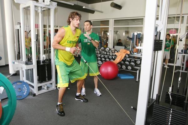 Lietuvos krepšinio rinktinės vyrai prakaitą lieja pajūryje