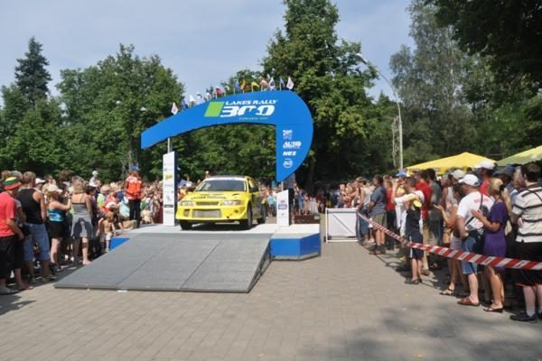 """Zarasų """"300 ežerų ralio"""" nugalėtojas - Vytautas Švedas"""