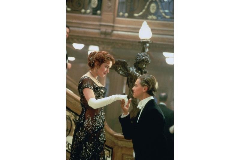 """J. Cameronas neigia norintis pasipelnyti iš filmo """"Titanikas"""