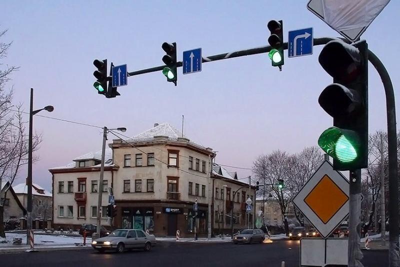 K. Petrausko gatvės ir Vydūno alėjos sankryžoje – nauji šviesoforai