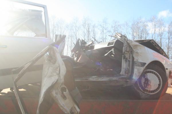 Avarijoje Molėtų plente du žmonės žuvo, trys - sužeisti
