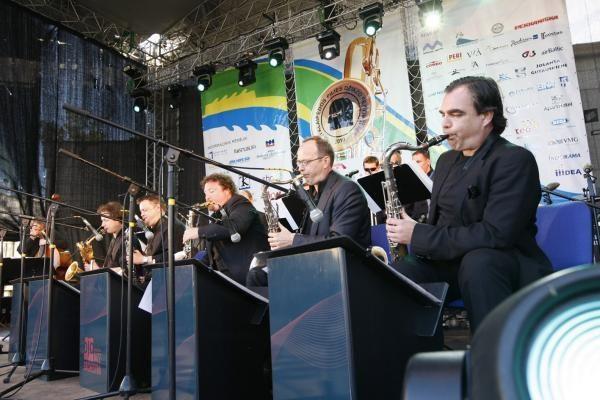 XVI Klaipėdos Pilies džiazo festivalio scenoje - žvaigždžių koncertas