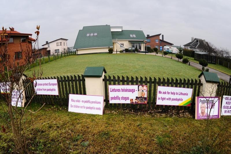 Naujo judėjimo atstovai nerimauja dėl D.Kedžio dukros likimo