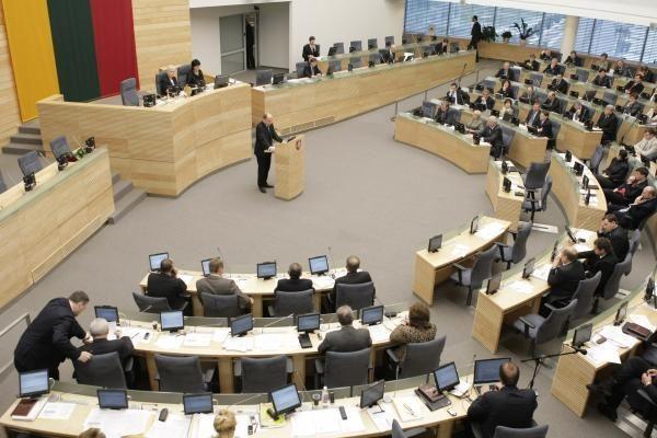 Apklausa: trečdalis gyventojų mano, kad ministrai – korumpuoti