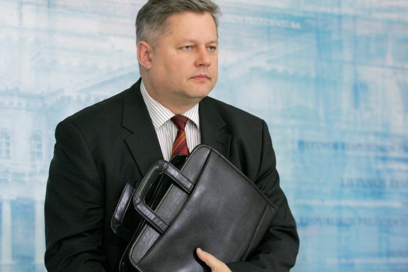 Sugrįžimo  į  Minską  data –  neaiški