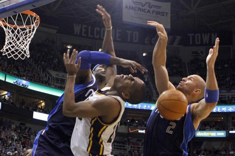 """NBA čempionai svečiuose įveikė """"Jazz"""" krepšininkus"""