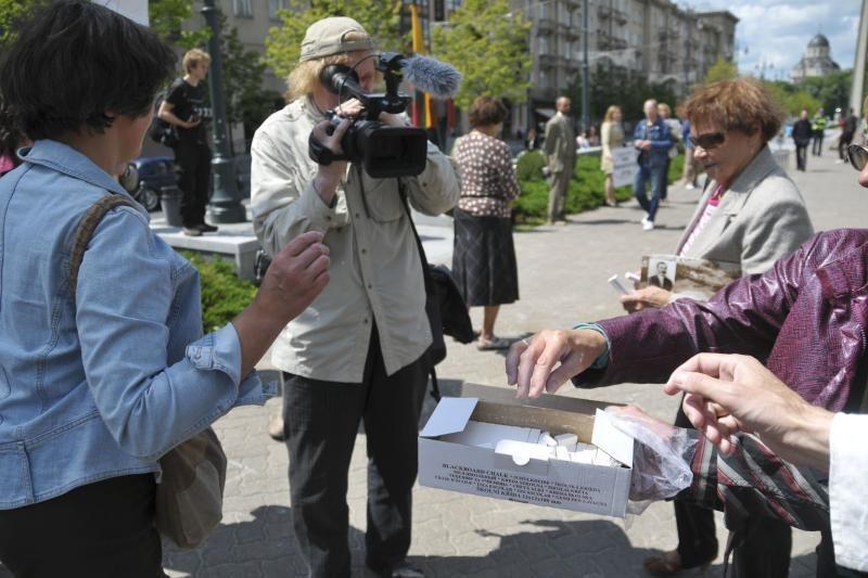 """N.Venckienės šalininkai prie Seimo reikalavo """"Tiesos"""""""