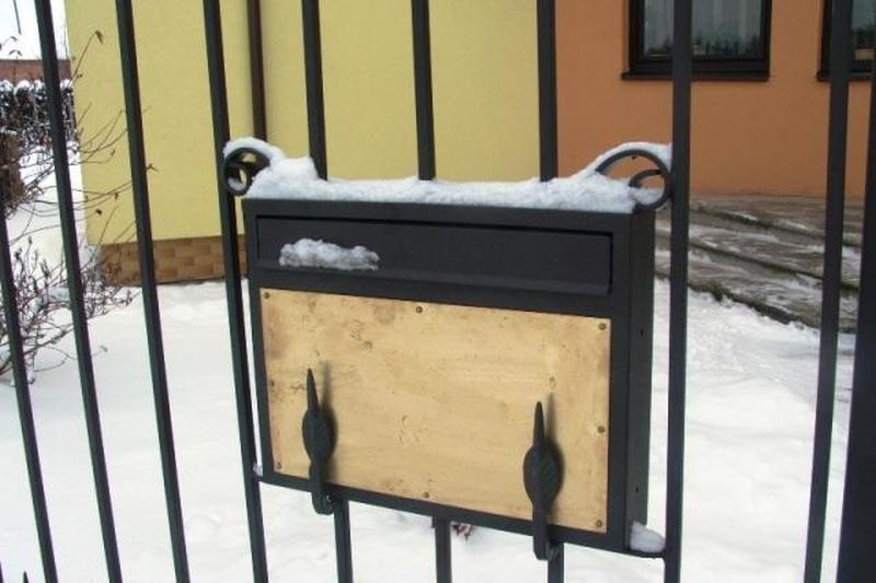 Netvarkingų pašto dėžučių savininkams teks pėdinti į paštą