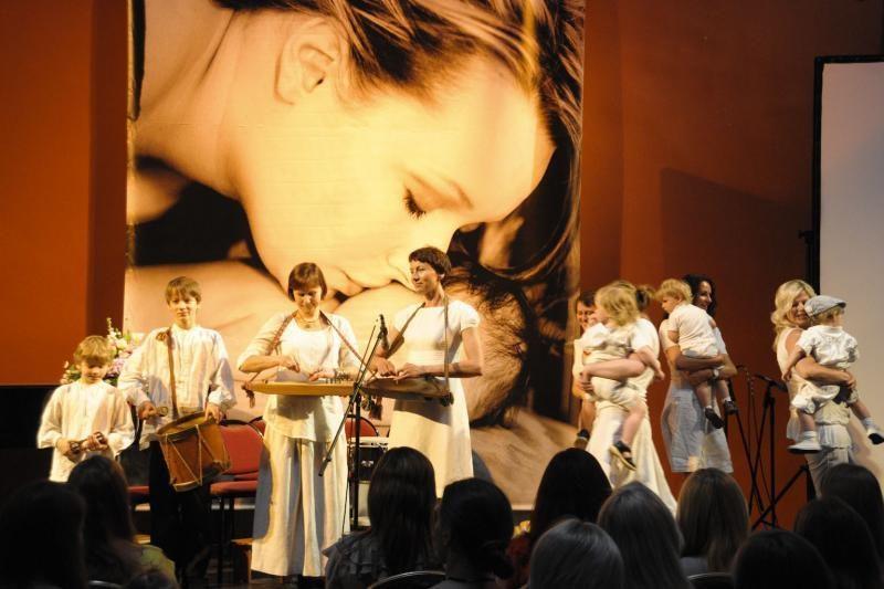 Vilniaus rotušėje – pavasarinė šventė būsimoms mamoms