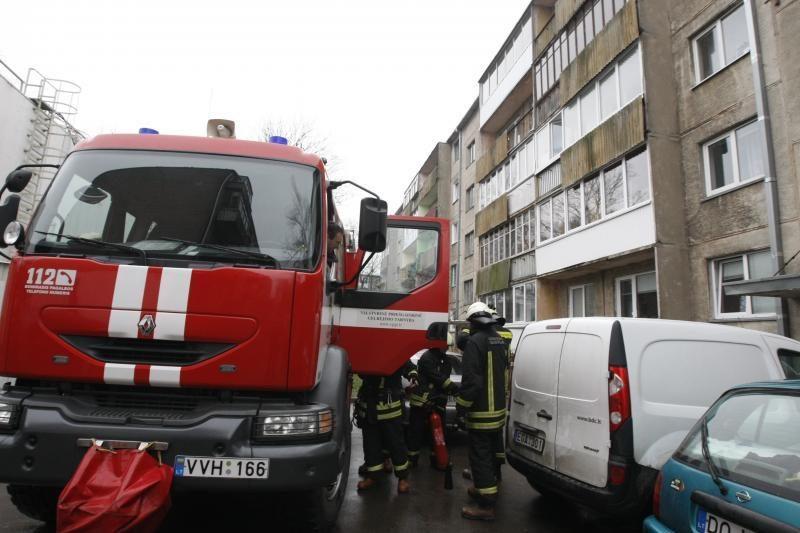 Klaipėdoje, Debreceno gatvės daugiabutyje kilo gaisras